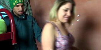 Videos pornos brasileiros comendo uma loira quente